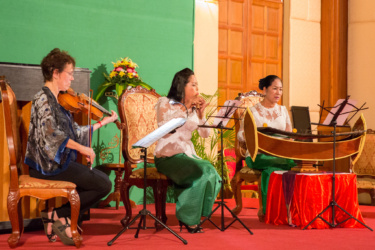 Susan Ung, viola / Chanthy Yim, Cambodian wind instrument / Theary Ip, roneat ek