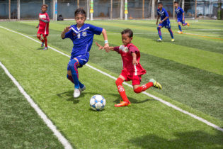 Preah Khan Reach Svay Rieng U14 (blue) vs Army U14 Academy (red)