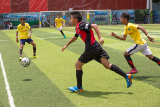 GFA U14 A from Singapore (red) vs Por Senchey U14 Academy (yellow)