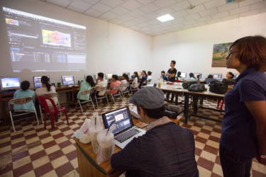 2nd workshop on 23 July 2016. Students tried to make digital animation by Adobe After Effects.